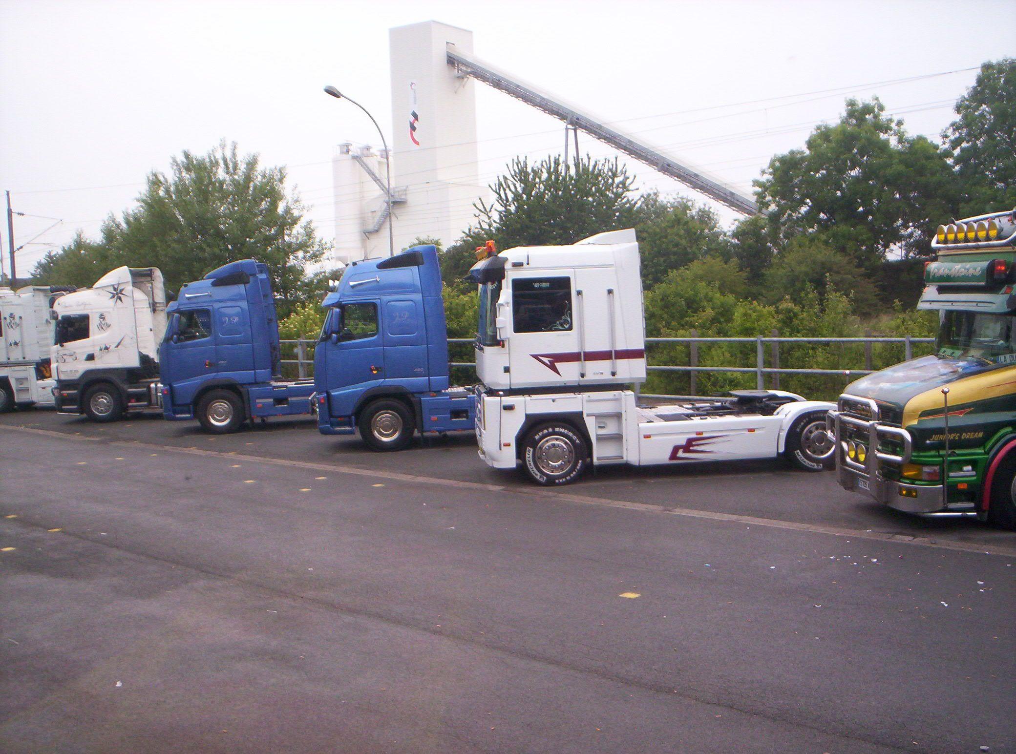 Une flopéee de beaux camions
